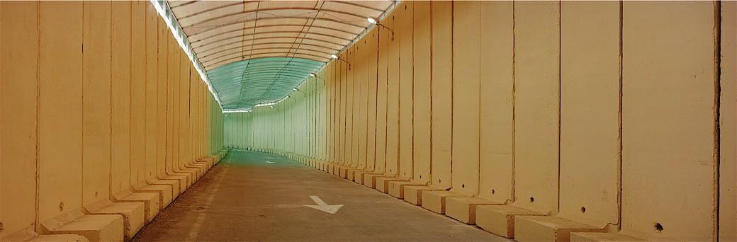 01_0810IL_Orange tunnel