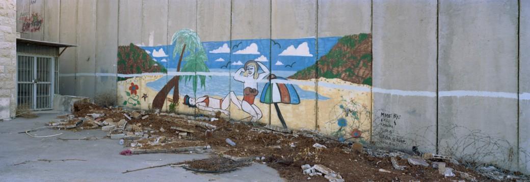 1877IL_Beach-Graffity